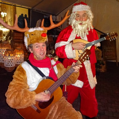 Kerst entertainment: Rudolf en kerstman muzikant