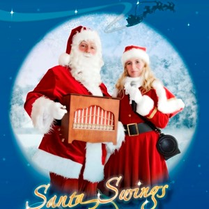 Kerst entertainment: Santa swings en lady sings